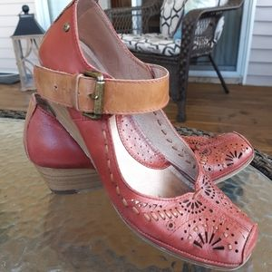 Pikolinos Leather Shoes Size 39